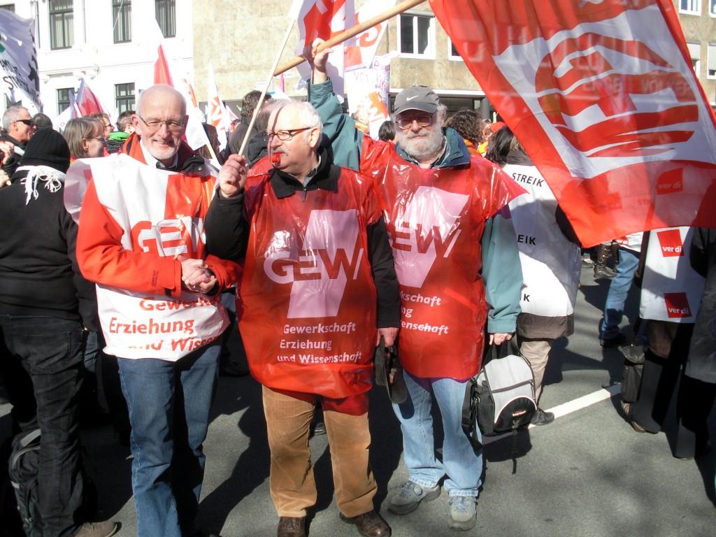 Auch Mitglieder des geschäftsführenden Vorstandes waren in Hannover  dabei, von links Hans-Otto Saatkamp, Reinhard Kiehlmann und Uwe Schwarze