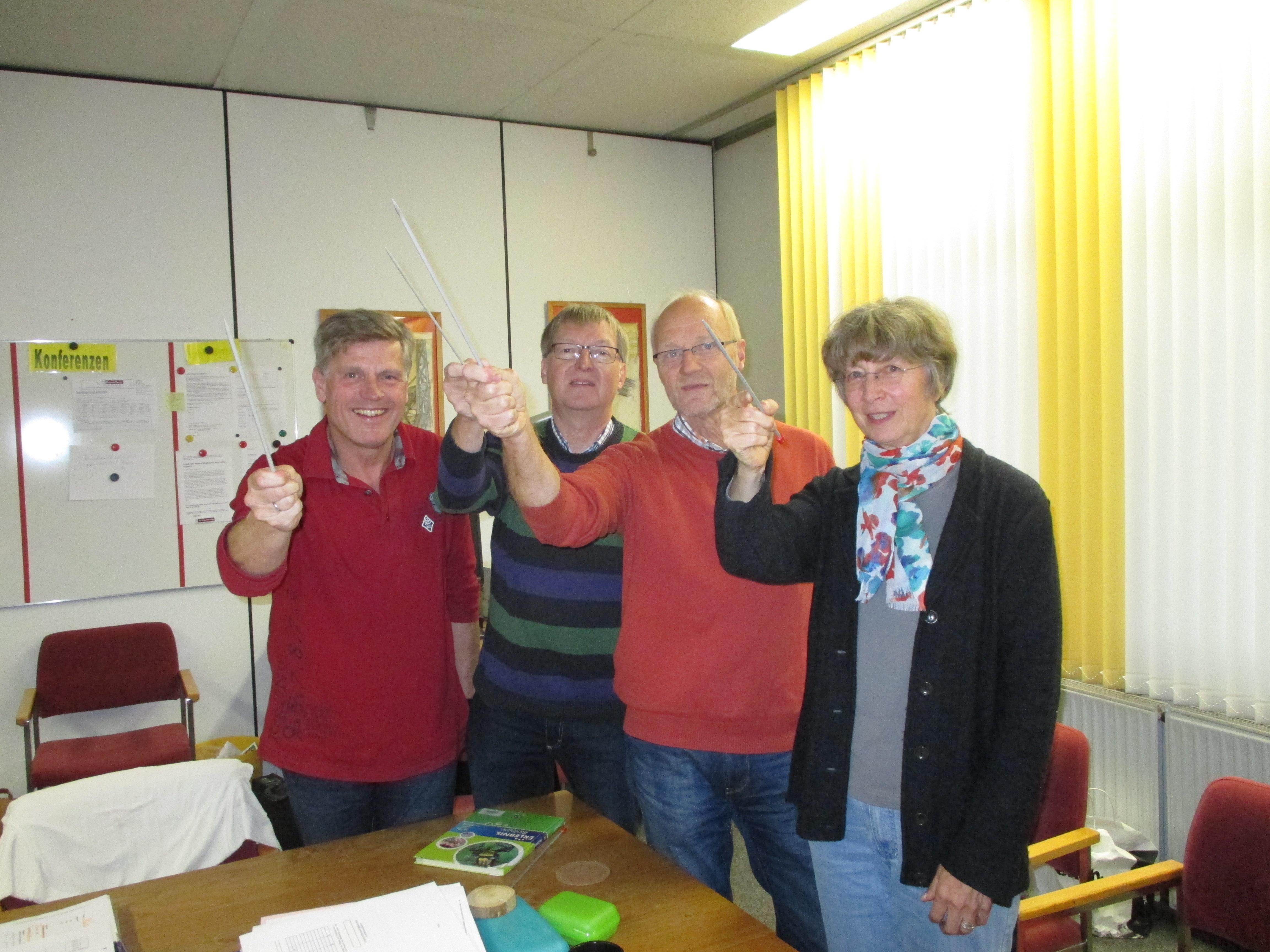 Die 60plus Kolleg/inn/en der OBS Weener: Wir werden weiter sticheln!! Her mit der Altersermäßigung!!